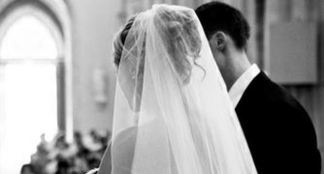 Est-ce Biblique de se marier dans une église?